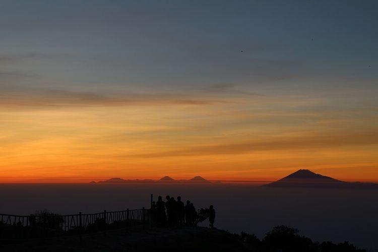 Gunung Ciremai Masih Ditutup Untuk Pendakian