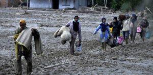 Jokowi Mengirim Bantuan Korban Banjir Bandang Lawu Utara