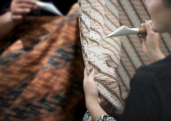 China Mengklaim Kerajinan Batik