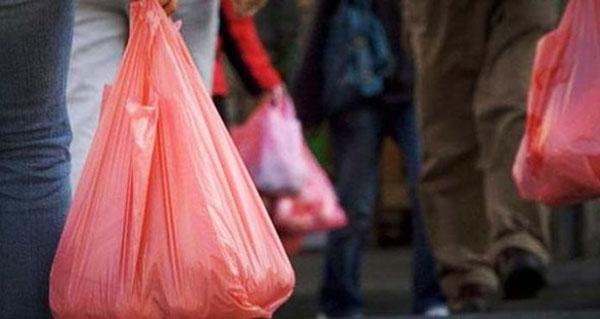 Di Jakarta, Penggunaan Kantong Belanja Plastik Mulai Dilarang
