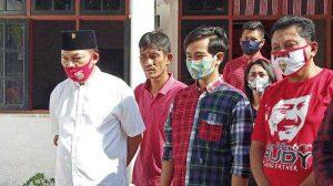 Gibran Sholat Idul Adha di Rumah Karena Masih Pandemi Corona