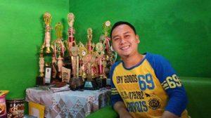Kisah Menggugah Semangat Dari Anak Pedagang Cireng di Solo Yang Raih Gelar S2