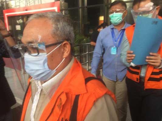 Dua Tersangka Korupsi Jembatan WFC Bankinang Resmi Ditahan KPK