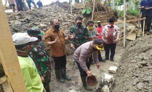 TMMD Mengatasi Permasalahan RTLH di Jatiwarno Karanganyar
