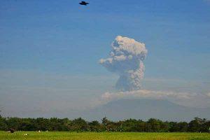 Aktivitas Vulkanik Gunung Merapi Kian Intens