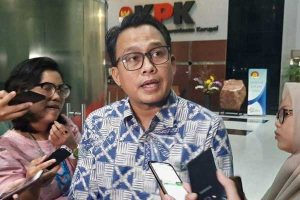 KPK Lelang 11 Telepon Selular Rampasan Kasus Korupsi