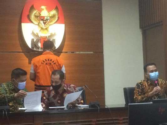 KPK Tahan Kadis PUPR Pemkab Lampung Selatan
