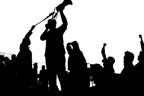 Saat Aksi Damai Tolak UU Cipta Kerja Di Balai Kota Solo, Polisi Tangkap 83 Orang