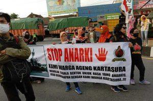 Warga Kartasura Gelar Unjuk Rasa Tolak Demo Anarkis