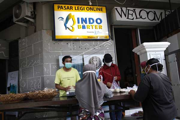 Pedagang Pasar Legi Solo Pakai Sistem Barter Guna Hadapi Pandemi Covid-19
