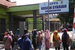 Puluhan Nasabah Datangi Kantor Kospin Syariah Karanganyar
