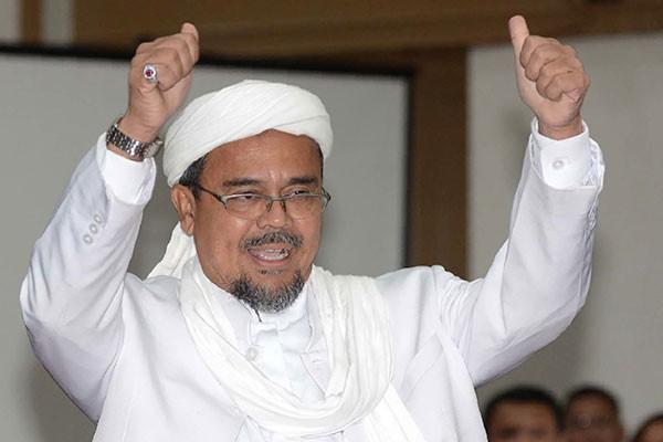 Habib Rizieq Pulang, Sejumlah Jadwal Penerbangan Tertunda