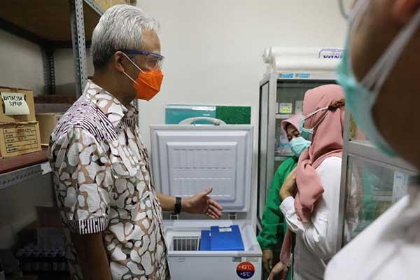 Ganjar Targetkan Vaksinasi di Jateng Rampung Akhir Januari