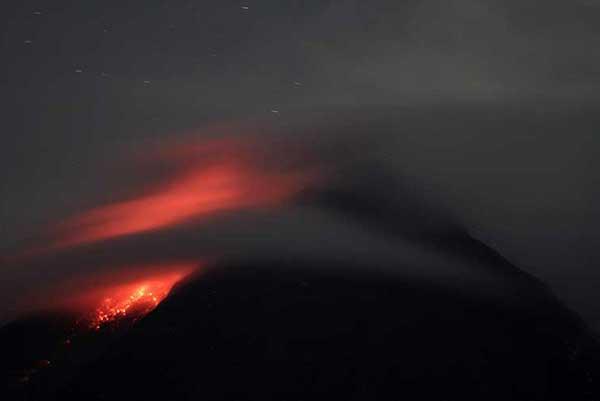 Gunung Merapi Keluarkan 18 Kali Guguran Lava Pijar Dalam 12 Jam
