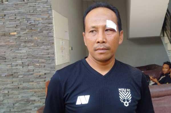 Kompetisi Mandek, Asisten Pelatih Persis Solo Banting Stir Jadi Kuli Bangunan dan Jualan Soto