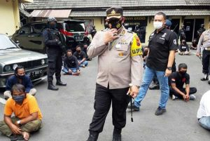 Polisi Gelar Rekonstruksi Kasus Intimidasi Kantor BPR