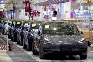 Elon Musk: Kini Beli Tesla Sudah Bisa Pakai Bitcoin