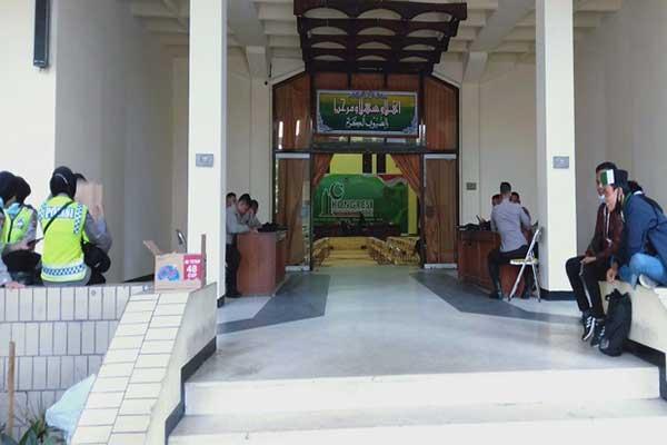 Kongres HMI di Surabaya Ricuh, Ratusan Polisi Bersiaga