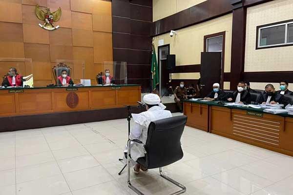 PA 212 Karanganyar Tuntut Bebaskan Habib Rizieq