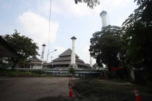 Tinjau Masjid Sriwedari, Gibran Ungkap Dana CSR Seret Karena Covid-19